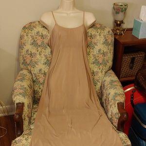 Olga vintage 80s slip with shelf bra